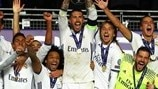 Guarda il Real Madrid alzare al cielo la Supercoppa